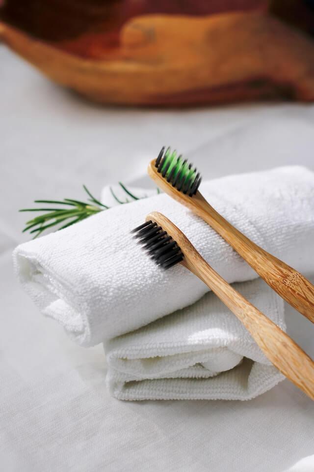 zobna ščetka iz bambusa